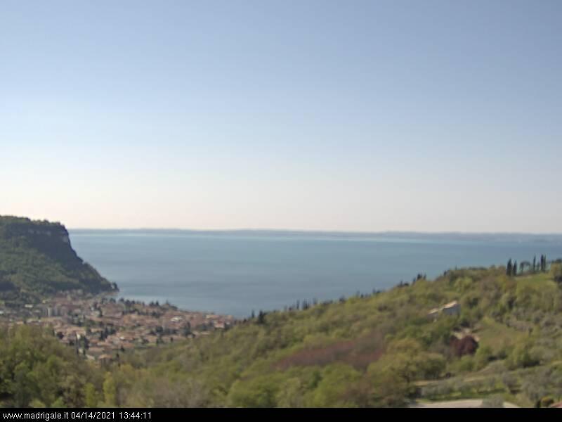 Splendida vista del lago di Garda dall'hotel Madrigale